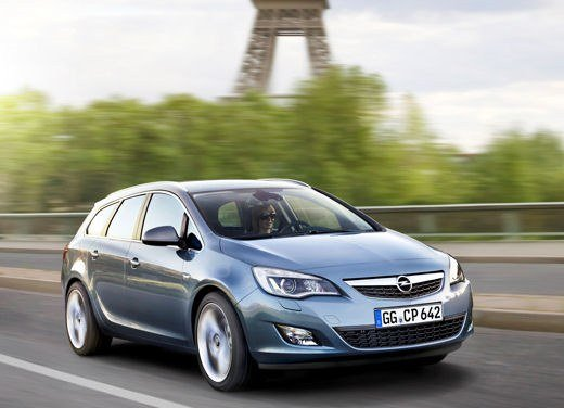 Nuova Opel Astra Sports Tourer test drive