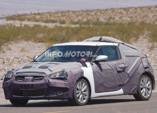 Hyundai Veloster nuove foto spia