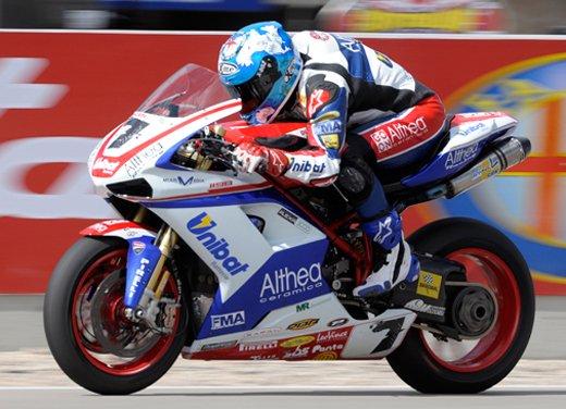 Superbike: Max Biaggi campione del mondo - Foto 3 di 4