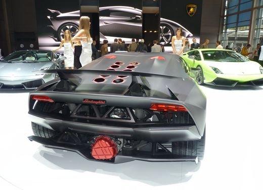 Lamborghini Sesto Elemento al Salone di Parigi 2010 - Foto 2 di 10