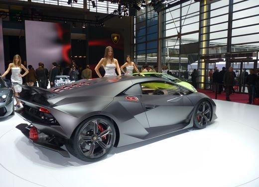 Lamborghini Sesto Elemento al Salone di Parigi 2010 - Foto 6 di 10