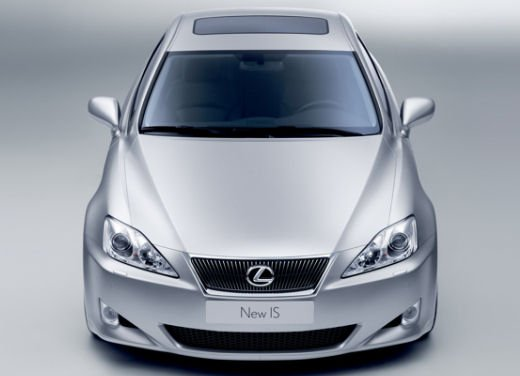 Richiamo per le Lexus GS300, IS250/220d e RX300/330