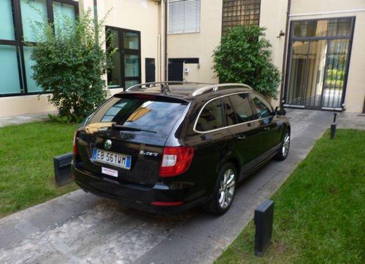 Skoda Superb wagon Long Test Drive - Foto 6 di 13