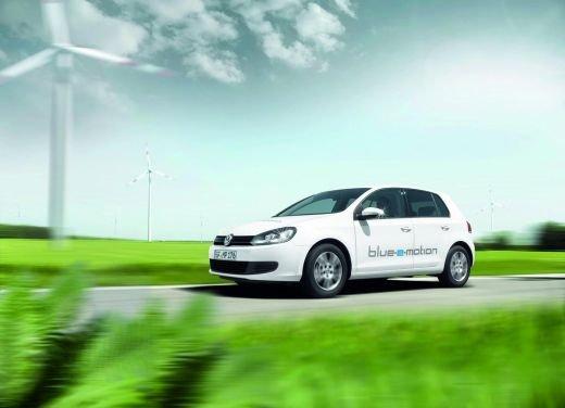 Volkswagen: carburante fossile e combustione, tutti i dati sulla CO2 - Foto 1 di 17