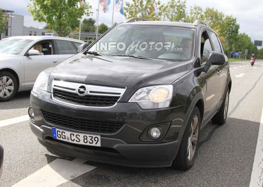 Opel Antara, le foto ufficiali dopo il restyling - Foto 8 di 11