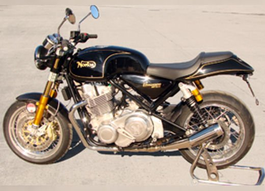 Norton Commando 961 biposto