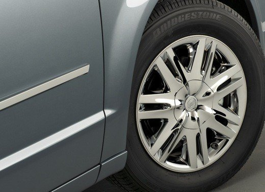 Nuova Lancia Phedra, primi bozzetti per l'auto in fase di sviluppo - Foto 14 di 20