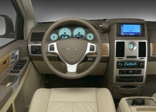 Nuova Lancia Phedra, primi bozzetti per l'auto in fase di sviluppo - Foto 15 di 20
