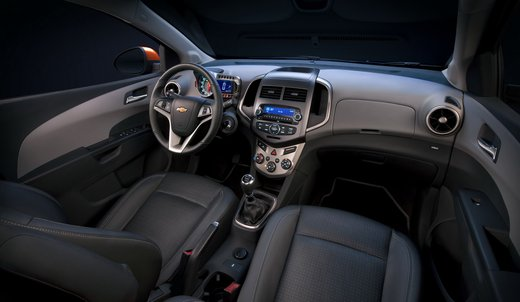 Chevrolet Sonic - Foto 4 di 9