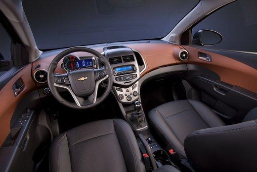 Chevrolet Sonic - Foto 8 di 9