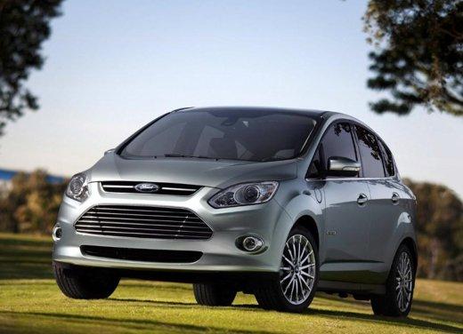 Ford C-Max ibrida, arriva la versione ecologica della monovolume - Foto 1 di 13