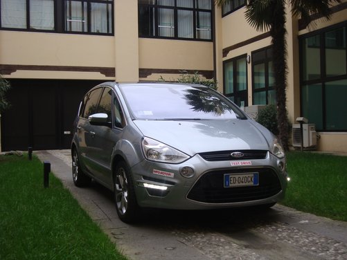 Ford S-Max Long Test drive sui colli del Veneto per la monovolume Ford