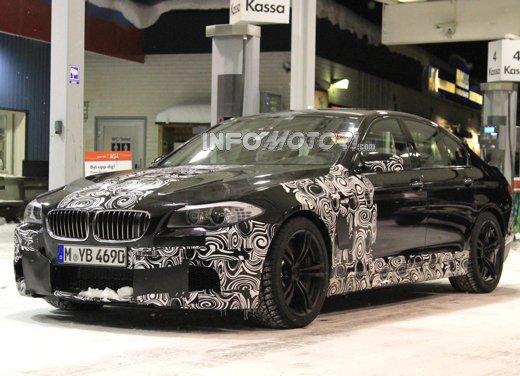 BMW M5: foto spia del modello atteso a Francoforte 2011