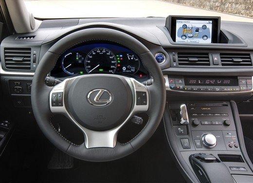 Lexus CT 200h – Test Drive - Foto 23 di 25