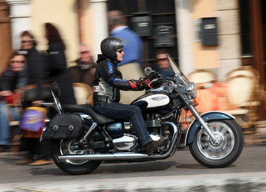 Triumph America: la cruiser entry level inglese