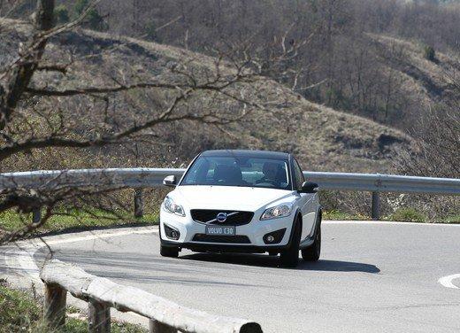Volvo C30 Black Design: bicolore sportivo solo per l'Italia sotto i 20.000 euro - Foto 1 di 17