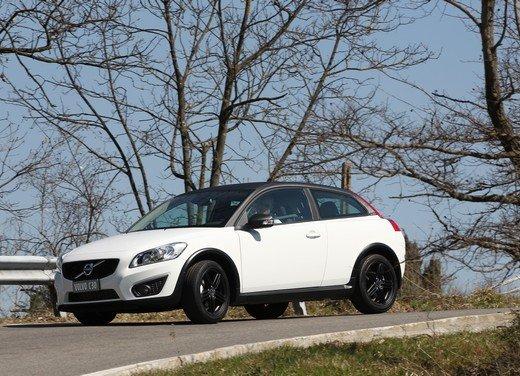 Volvo C30 Black Design: bicolore sportivo solo per l'Italia sotto i 20.000 euro - Foto 4 di 17