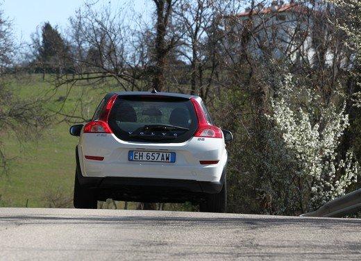 Volvo C30 Black Design: bicolore sportivo solo per l'Italia sotto i 20.000 euro - Foto 5 di 17
