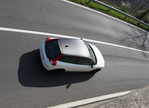 Volvo C30 Black Design: bicolore sportivo solo per l'Italia sotto i 20.000 euro - Foto 7 di 17