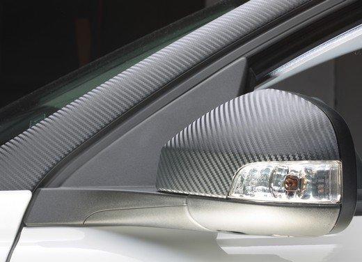 Volvo C30 Black Design: bicolore sportivo solo per l'Italia sotto i 20.000 euro - Foto 13 di 17