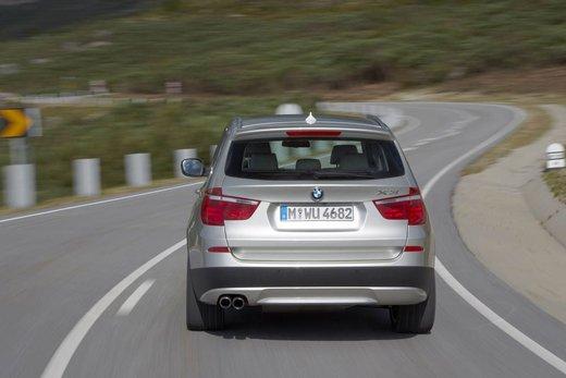 BMW nuova X3. Design ed interni ringiovaniti per la seconda generazione di X3 - Foto 10 di 13