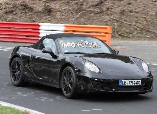 Porsche Boxster spy: nuove immagini della rivale di BMW Z4 e Mercedes SLK