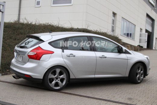 Ford Focus RS - Foto 2 di 10