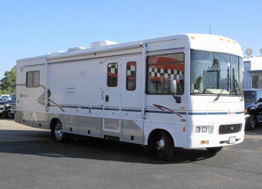 Assicurazione altri veicoli per camper, imbarcazioni e scooter