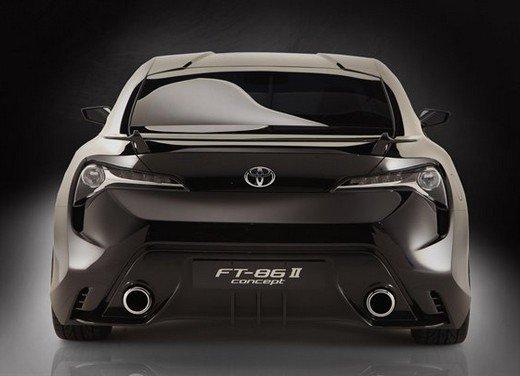 Toyota FT86: i dettagli della nuova coupé Toyota nata in collaborazione con Subaru - Foto 7 di 16