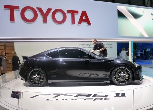 Toyota FT86: i dettagli della nuova coupé Toyota nata in collaborazione con Subaru - Foto 5 di 16