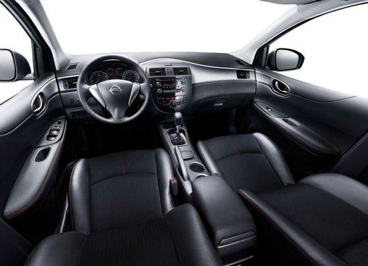Nissan Tiida - Foto 1 di 10