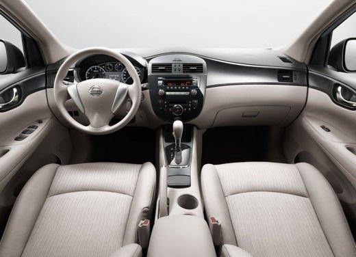 Nissan Tiida - Foto 8 di 10