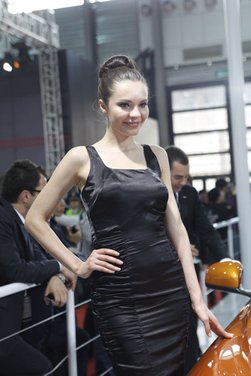Salone Auto Shanghai 2011 – Girls 1 - Foto 8 di 26