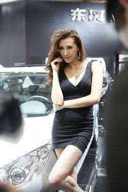 Salone Auto Shanghai 2011 – Girls 1 - Foto 18 di 26
