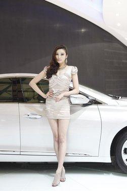 Salone Auto Shanghai 2011 – Girls 1 - Foto 19 di 26