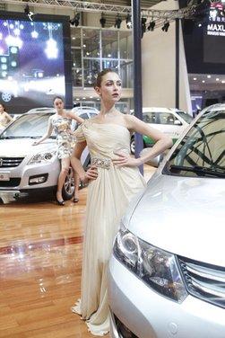 Salone Auto Shanghai 2011 – Girls 1 - Foto 20 di 26