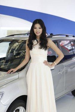 Salone Auto Shanghai 2011 – Girls 1 - Foto 22 di 26
