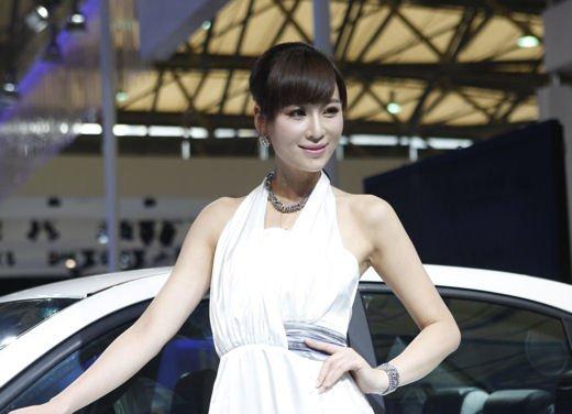 Salone Auto Shanghai 2011 – Girls 1 - Foto 2 di 26