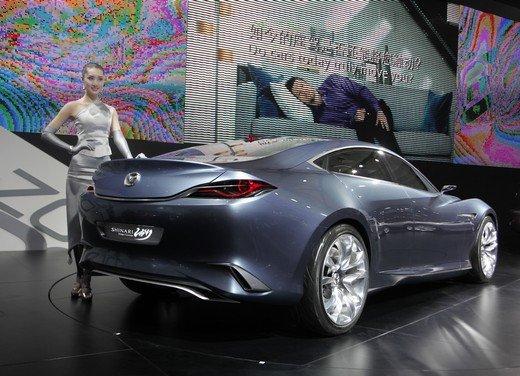 Salone Auto Shanghai 2011 – Girls 2 - Foto 17 di 26