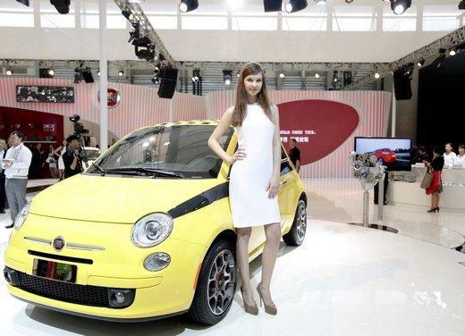 Salone Auto Shanghai 2011 – Girls 2 - Foto 19 di 26
