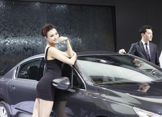 Salone Auto Shanghai 2011 – Girls 2 - Foto 3 di 26