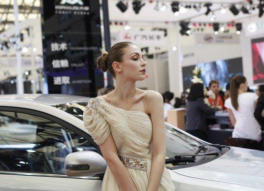 Salone Auto Shanghai 2011 – Girls 2 - Foto 6 di 26