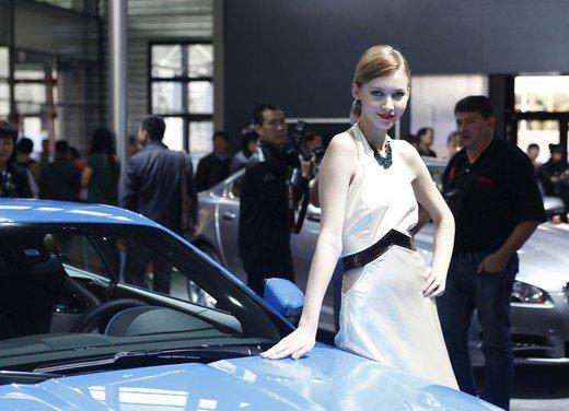 Salone Auto Shanghai 2011 – Girls 2 - Foto 7 di 26