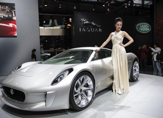 Salone Auto Shanghai 2011 – Girls 2 - Foto 9 di 26