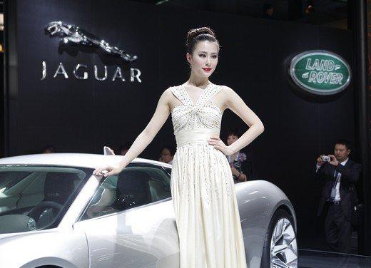 Salone Auto Shanghai 2011 – Girls 2 - Foto 11 di 26