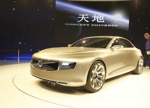 Volvo Concept Universe, futura berlina di lusso svelata a Shanghai - Foto 1 di 22