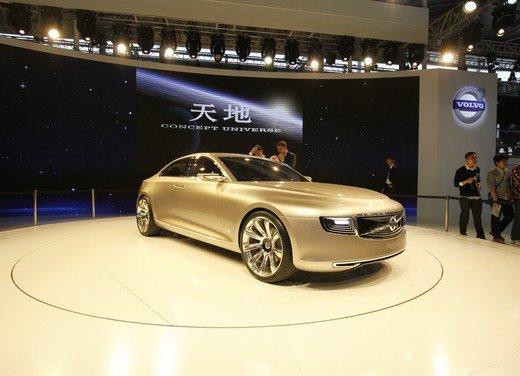 Volvo Concept Universe, futura berlina di lusso svelata a Shanghai - Foto 2 di 22
