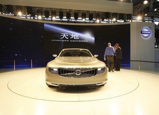 Volvo Concept Universe, futura berlina di lusso svelata a Shanghai - Foto 3 di 22