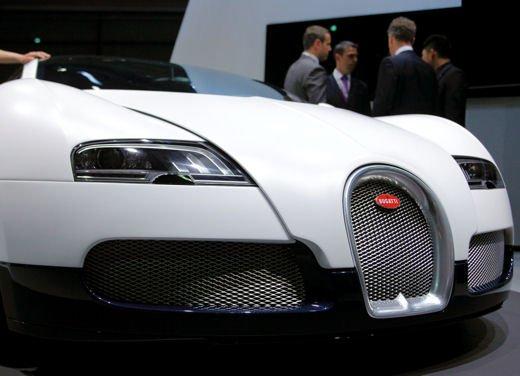 Bugatti Veyron Grand Sport Special Edition, supercar in esclusiva per la Cina - Foto 3 di 10
