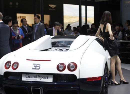 Bugatti Veyron Grand Sport Special Edition, supercar in esclusiva per la Cina - Foto 4 di 10